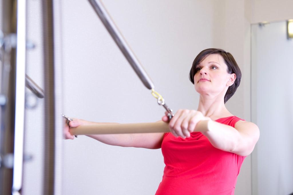 Physiotherapy shoulder exercises rehabilitation